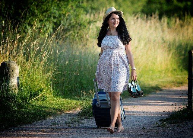 dívka na dovolené