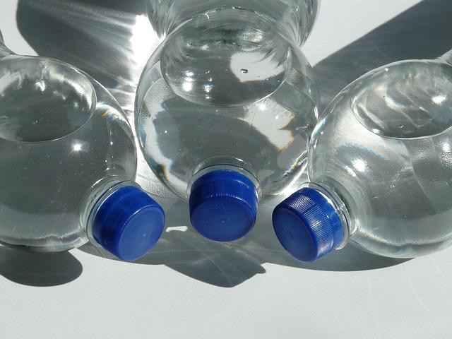 voda v PET lahvích