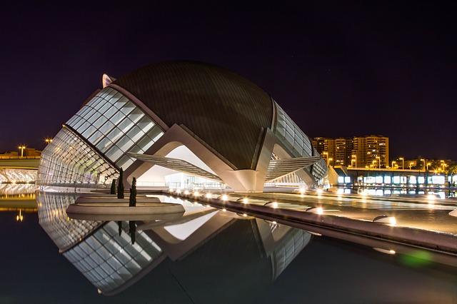 osvětlené město.jpg