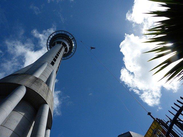 vyhlídková věž sky tower.jpg