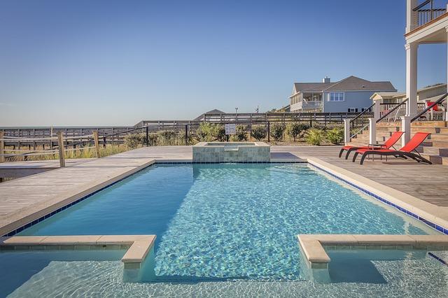 bazén před vilou