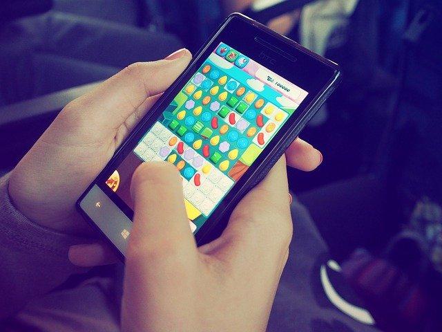 hra na mobilu